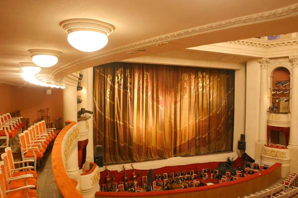 Саратовский театр оперы и балета афиша на октябрь кино афиша озерки спб